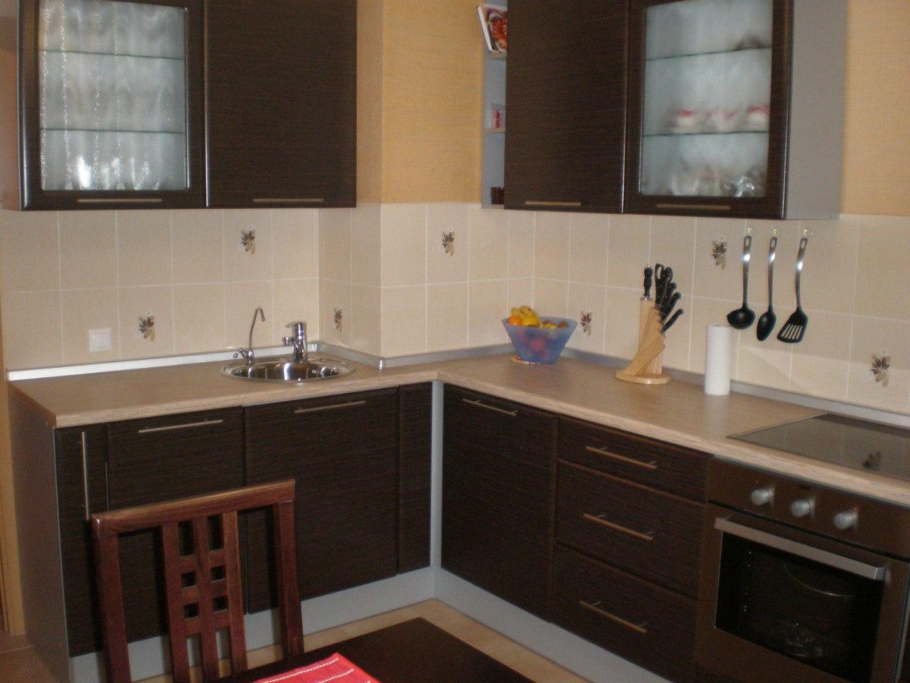 Кухни с вентиляционным коробом фото